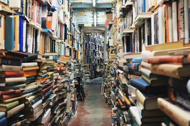 図書館での暇つぶし方法紹介!こんなサービスもある